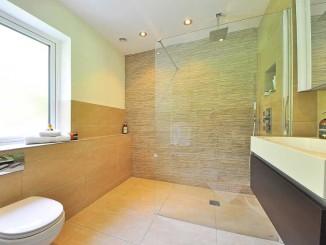 Sprchové dveře – ideální řešení, když nechcete moc utrácet